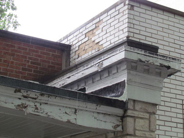 This wood trim and fascia needed some serious work.