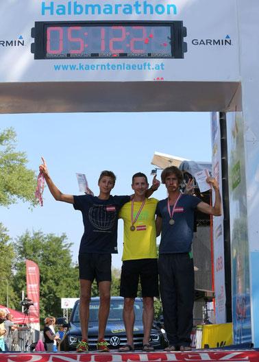Timon Theuer, Christopher Bednar und Martin Mistelbauer - die Mannschaft des team2012.at