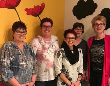 Der neue Vorstand: Annette Dietiker, Brigitte Schwammberger, Monika Schwammberger, Therese Pauli und Barbara Klemenz (v.l.n.r.)