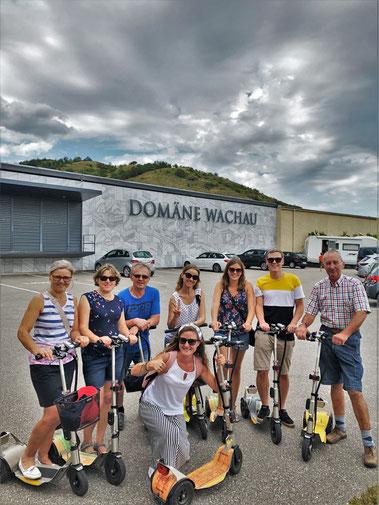 Besuch bei Domäne Wachau Rundfahrt zu einer Weinverkostung auf Tour mit dem Verleih von Scootern