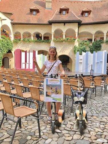Scooter Verleih Tour in der Wachau in der Wein Landschaft. Freizeit und Ausflug in der Wachau mit Scooter, Rad, Fahrrad, Segway. Angebot für Freizeit und Gruppenreisen. Kombination mit Theater.