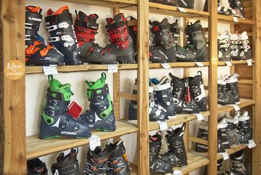 Skischuhe Skiausrüstung zum Verkauf
