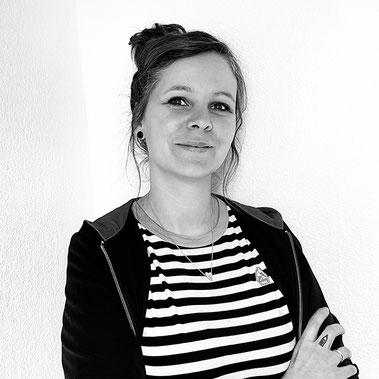 Foto Sandy Thissen Illustratorin Zeichner Dino Fliege Oberhausen NRW Nordrhein Westfalen Ruhrgebiet DIY Blog Blogger Artist Kinderbuch Spiele Puzzle