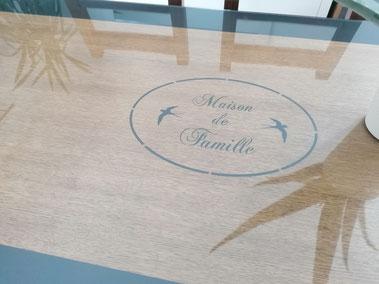 relooking de meuble le mans sarthe table chêne gris anthracite pochoir bancs
