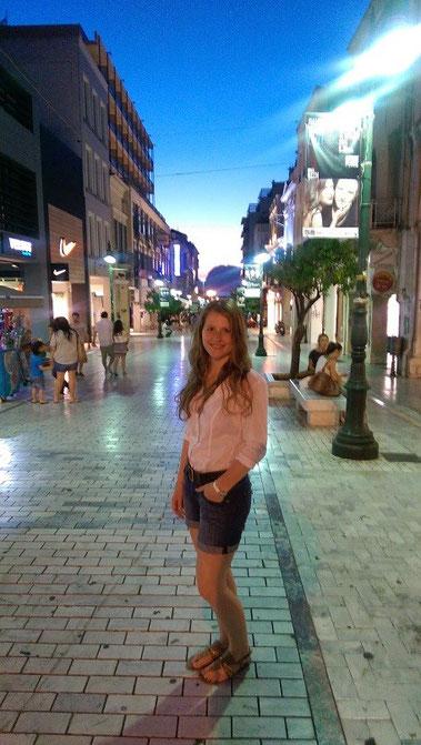 Melanie Ohme in Patras, Griechenland
