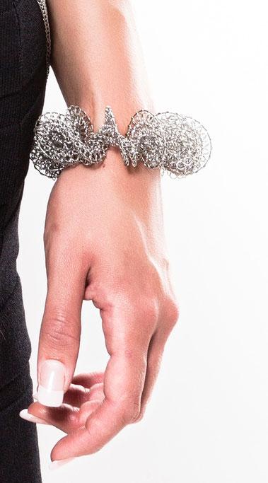 bracelet de créateur contemporain chic en cotte de mailles inox