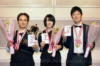 優勝の3名。左より、A級中村選手、女子級小西選手、B級前田選手