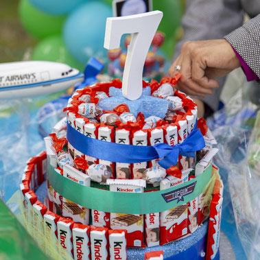 torta kinder per feste bambini