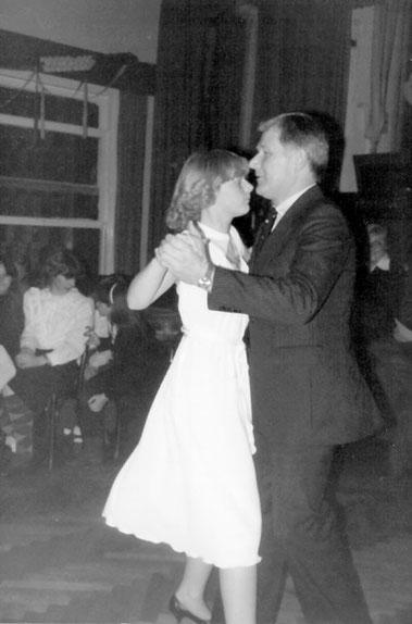 Auch auf dem Tanzparkett erfolgreichHeidrun Schröder u. Helmut Saggau beim Vergleichswettkampf der Vereine.