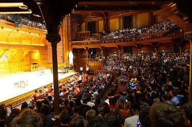 ハーバードのSanders Theatre