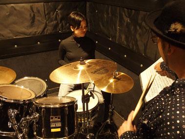 群馬県高崎市 RIDE ON ドラムスクール レッスン風景 ライドオンドラムスクール マンツーマンレッスン