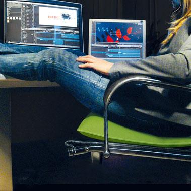 Unser ergonomisches Sitzkissen Bürostuhl Flowmo Pad zum Fläzen im Einsatz