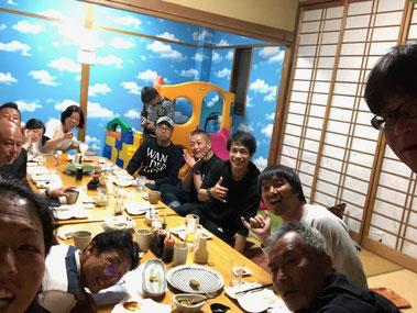 二日目の夜はチームEBISUと宮崎の藤原プロとワゴンの錦田さんも一緒にのんかた~