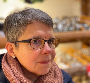 Gudrun Wulf er lærer på socialpædagogisk fagskole og elsker kunst, litteratur og alle danske øer - Gudrun har været kursist hos mig (nu via facetime) siden juni 2018