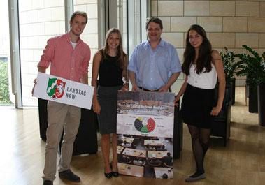 Den drei Essener Teilnehmern hat der Aufenthalt bei Ralf Witzel (Bildmitte) gut gefallen.