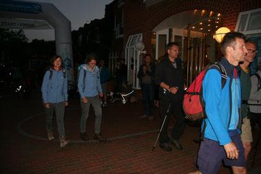 Sonst gehen Ulli und ich (r.) nicht im Partnerlook. Die Jacken haben wir vor Ort geliehen ;-) Foto: Columbia Hike & Run