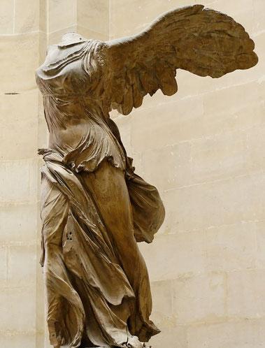 Ника Самофракийская - шедевры Лувра