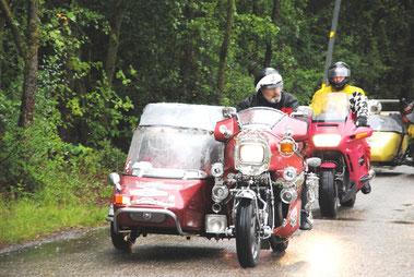 Biker bescheren mit der Jumbotour den Behinderten einen schönen Tag