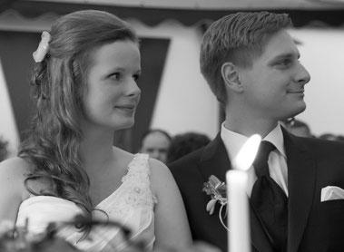 Brautleute während der Hochzeitsrede