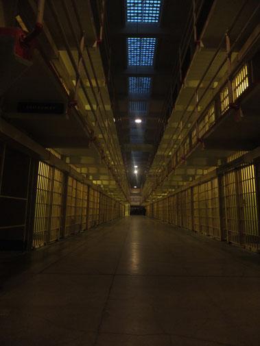 Kein schöner Wohnort, Zellenblöcke in Alcatraz