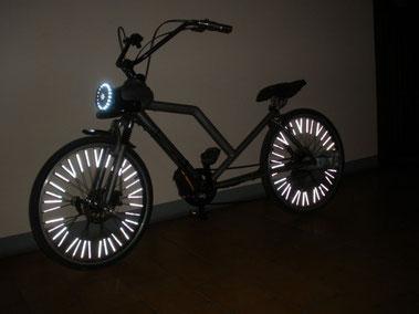 bici-elettrica-Pmzero-Welness-Bike-notturna