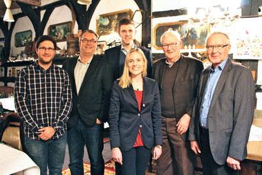 v.l.n.r. Dirk Bursian, Matthias Hegel, Stadtverbandsvorsitzender Patrick Büker, Marie-Christine Ostermann, Ehrenvorsitzender Manfred Hegel, Ernst Sebbel
