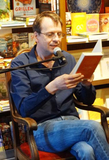 Bov Bjerg bei der Lesung in der Buchhandlung Pelzner (Nürnberg) / Foto: Reitzammer