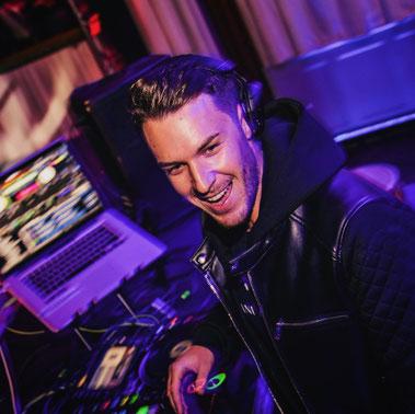 Zu sehen ist Dj Nitronic auf einem DJ Eventfoto auf einer Veranstaltung