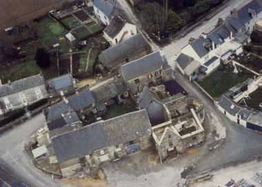 ASPHAN, l'Enclos du Vieux Bourg en vue aérienne