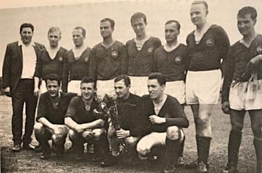 2. Mannschaft 1965/66 Meister C-Klasse Saarbrücken | (stehend) Nothof, Jungfleisch, Jung, Eich, Kreischer, Buschlinger, Hollmann, D. Betz | (kniend) A. Betz, Schmitt, Simon, Stolz