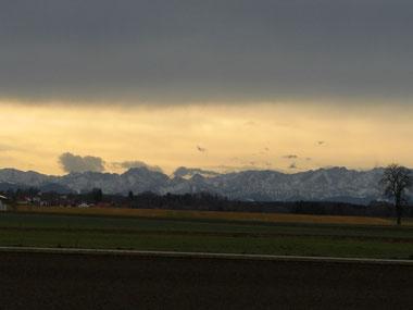 Fön Wirkung, die Alpen gesehen aus LL-Ost - 1 / CÎND BATE FOENUL, SERIE