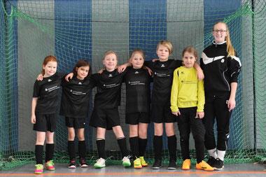 Die Fußballmädels vom SV Steinhorst/Labenz beim TImo-Heller-Cup