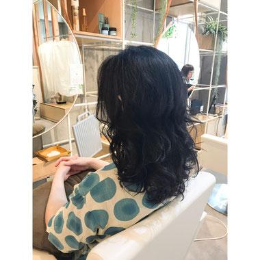 横浜・石川町、美容室Grantus,ヘアスタイル、ロング、ナチュラルウエーブ 艶髪 ヘッドスパ
