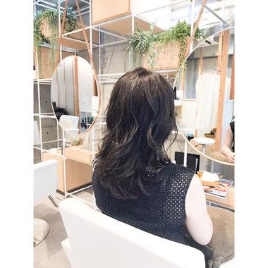 横浜・石川町、美容室Grantus,ヘアスタイル、ロング、ナチュラルウエーブ Iライン イノアカラー  カラー 艶髪 ヘッドスパ