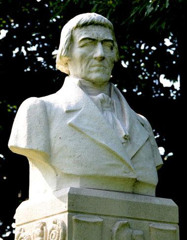la statue de Lamarck à Bazentin