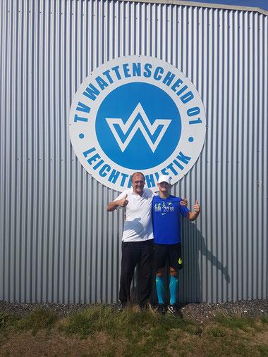 Trainer Udo Müller (ehemals TV Wattenscheid) mit seinem Nachwuchsathleten Finn Heitzmann bei den Deutschen U16  2018