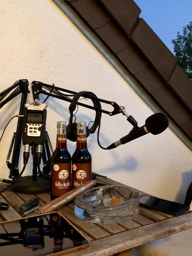 Wir genießen fritz-kola karamell-kaffee und J.A. Jubilee Edition No.1 Zigarre in Männerquatsch Podcast #34 (Windjammers 2, Streets of Rage 4, ALF kehrt zurück)