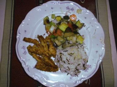 Sojageschnetzeltes mit Wokgemüse und Reismix