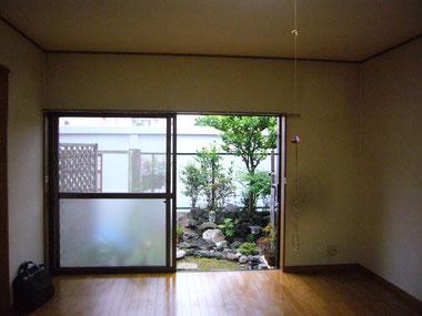 南の窓は明るさと風のとりいれのため大きくリフォーム