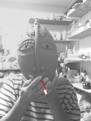#0519 smoking mask (着色・焼成前)