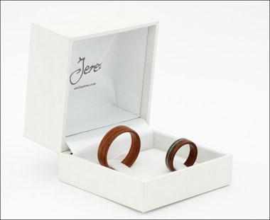 anillos de madera, alianzas de madera, wood rings, anillos artesanales, anillos de compromiso, anillosjerez, anillos jerez.
