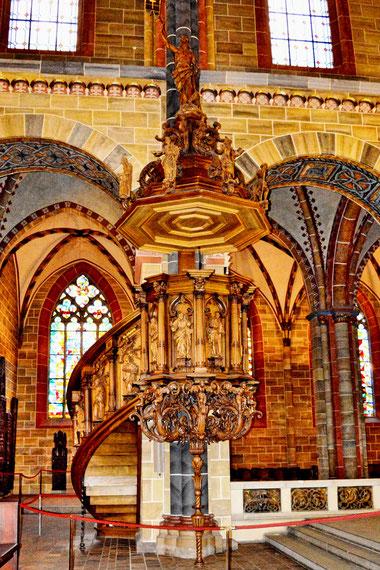 Im St. Petri Dom in Bremen 12