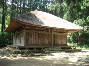 国指定の重要文化財・高蔵寺阿弥陀堂