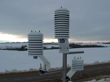 Station météo et thermomètres sous abri météo - Agralis Aquitaine