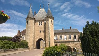 Spectacle son et lumière en juin juillet août  et septembre à Villeneuve-sur-Yonne