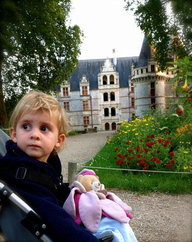 Visite en famille au château d'Azay-le-Rideau en vallée de l'Indre, Touraine Val de Loire.