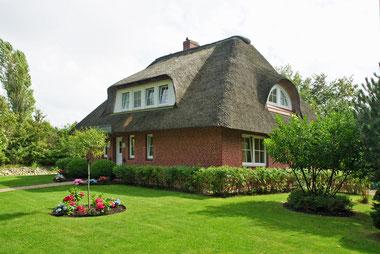 ein Reetdachhaus auf Föhr