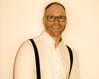 DJ Buchen Till, Suite 219 DJ Service & Eventtechnik für Hochzeiten, Firmenfeiern, Geburtstage und Veranstaltungen aller Art in Esslingen, Stuttgart, Reutlingen, Ludwigsburg