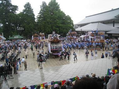 七 月    祇 園 祭