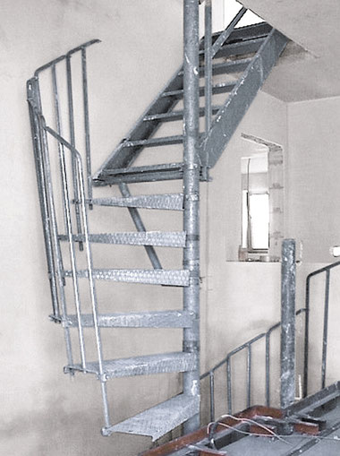 Bautreppe von Bucher Treppen - stabile Treppe für die Rohbauphase fertig aufgebaut